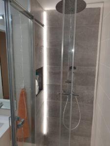 Reforma integral luz baño girona